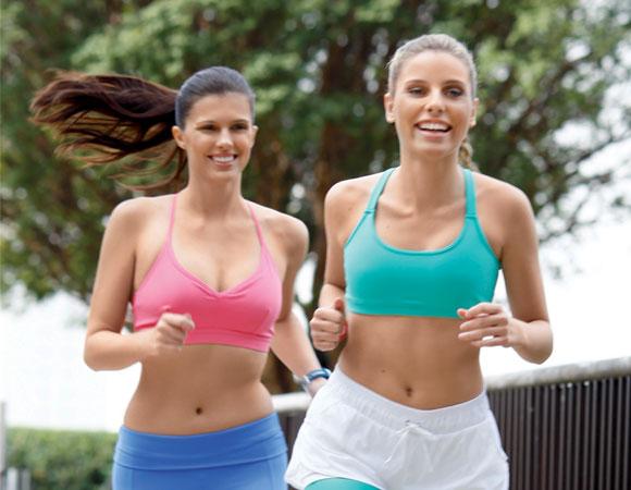 Correr em grupo de amigos. O que são assessorias esportivas?
