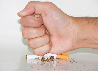 O conselho à pessoa interessou em deixar de fumar