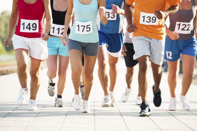 Alimentação para atletas antes de uma maratona é importante para o seu rendimento
