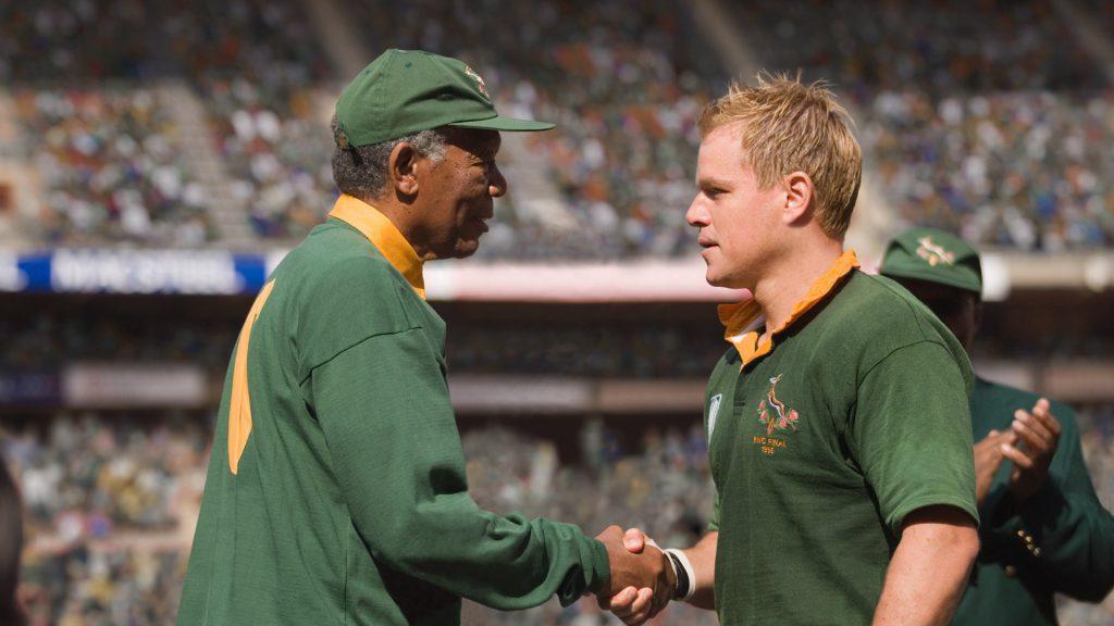 filmes motivacionais para atletas: Cena do filme Invicturs com Morgan Freeman e Matt Damon